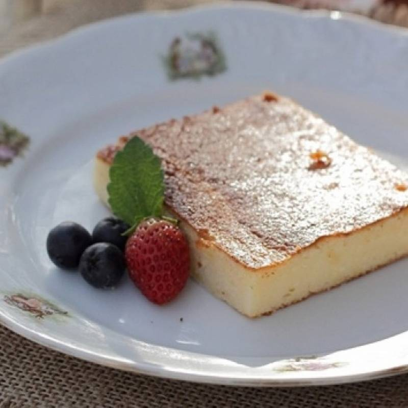 Cow curd and Greek yogurt cake