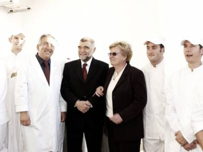 The Mermaid's employers, Ivan and Marija, with Croatian president, 2003.