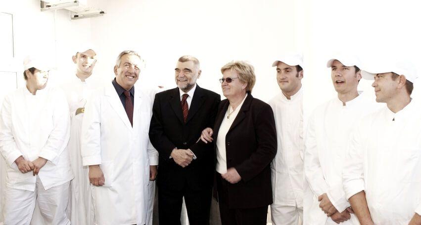 Djelatnici Sirene, Ivan i Marija s predsjednikom RH, 2003. g.